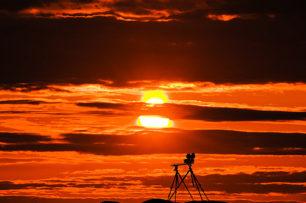 Vidéo du soleil de minuit: des images magnifiques