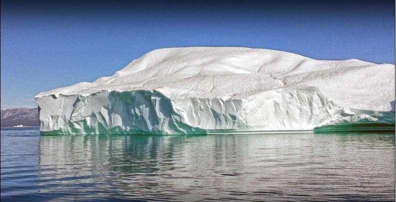 dans les glaces de l'arcticle