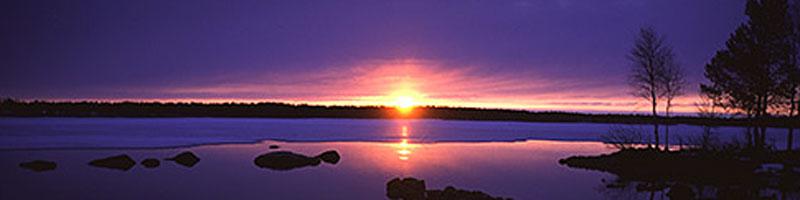 photo de la laponie sous un coucher de soleil