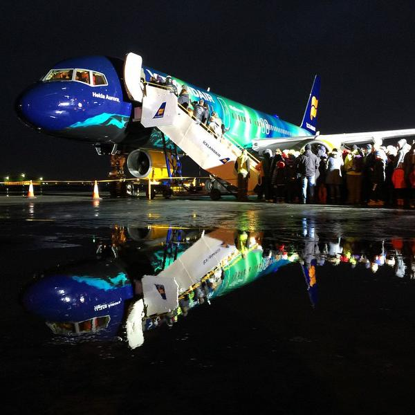 boeing 757-200 d'icelandair au sol